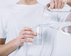 tomar água em excesso